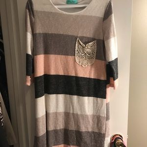 Dresses & Skirts - striped shift dress with lace pocket